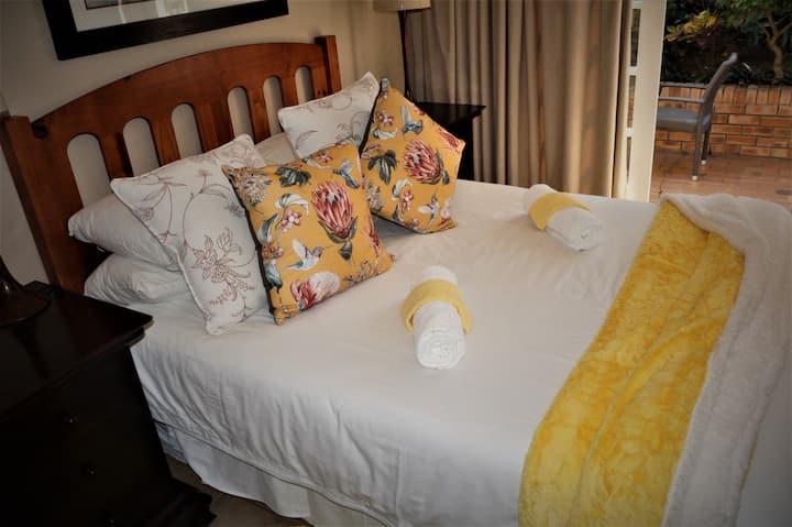 Bernies BnB Suite 5 Queen on suite