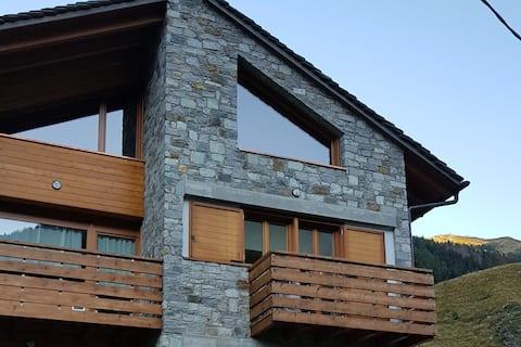 New alpine lodge  CIR 014035 CNI 00049