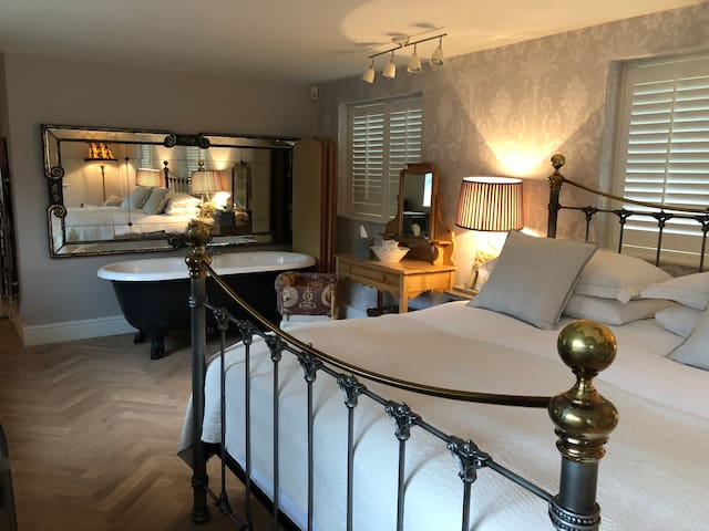 The Flower Room: Newly renovated in East Sussex