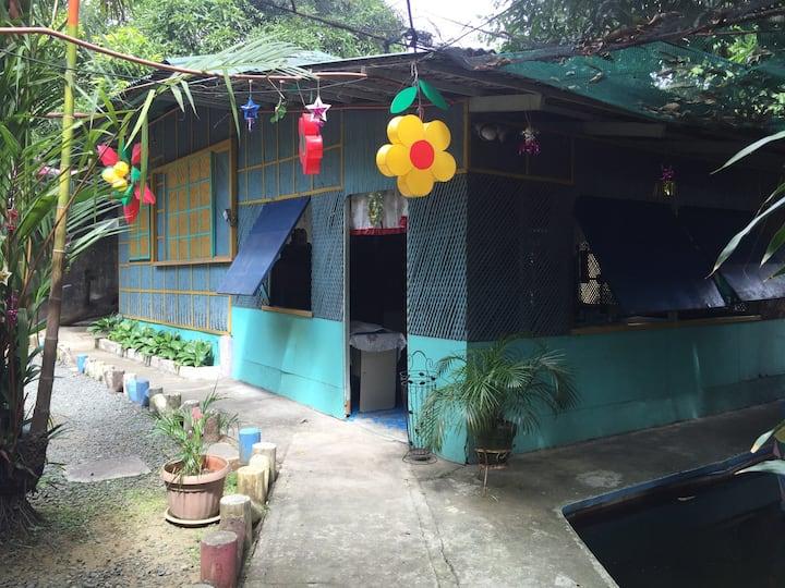 Cozy relaxing Nipa hut in the city