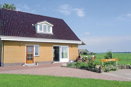 Holiday cottage with 3 bedrooms on 220m² in Kollumerpomp