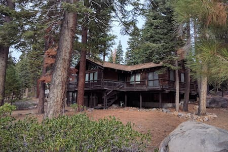 Large Family Cabin in North Lake Tahoe - Carnelian Bay - Cabin