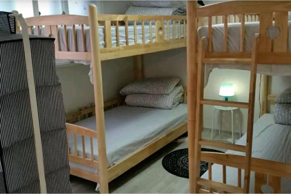 4people's room