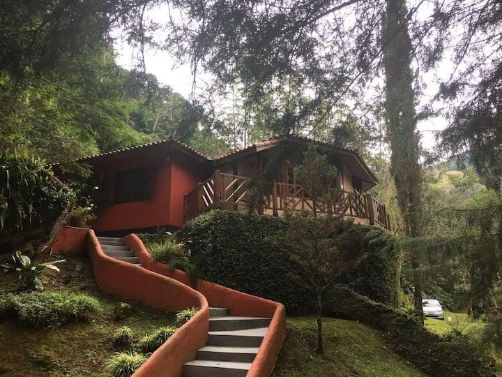 Refugio Sagrado na Montanha/ Casa Beija-Flor
