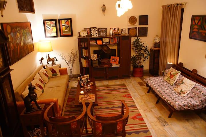 Bedroom with Bath - Heart of Delhi