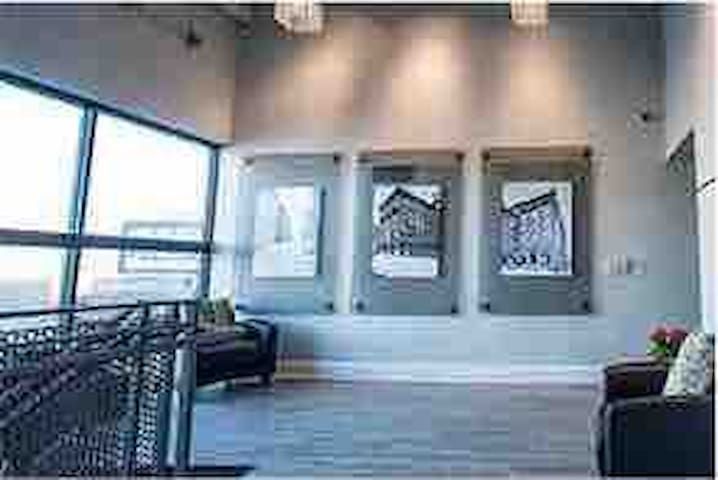Loft Downtown Kansas City/Chiefs Stadium