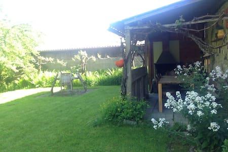 Chambre à quelques pas du lac - Cudrefin - Haus