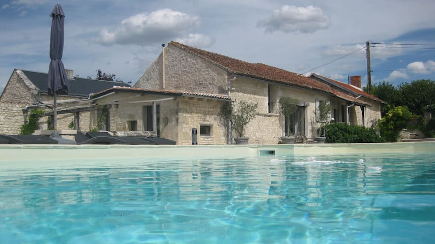 Entire House | Loire Valley | Sleeps 9 - Lémeré