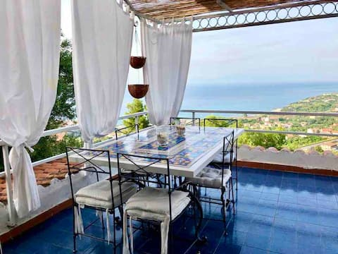 Casatua …..con vista incantevole su Tropea