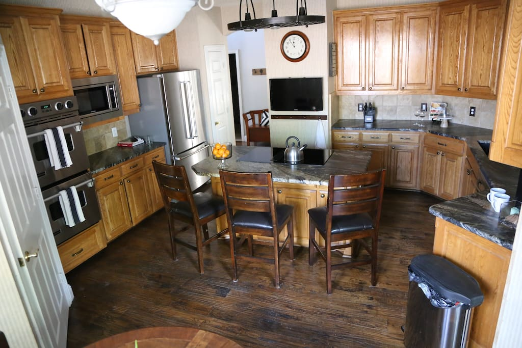 Kitchen - double oven, electric stove top