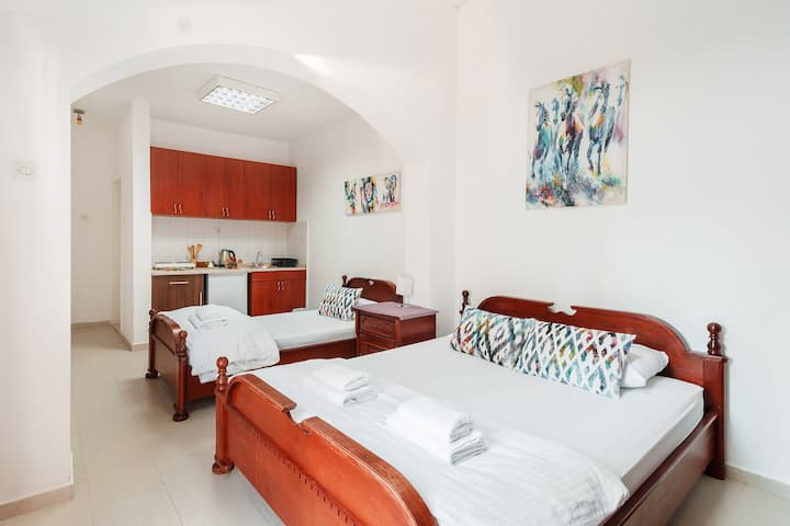 Large,Cosy Studio with 2 Beds&Balcony Budva Center