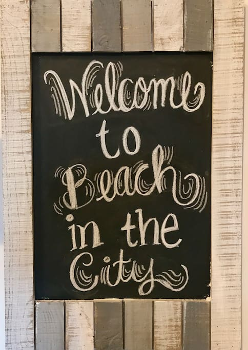 Midtown Living: Beach in the City Theme