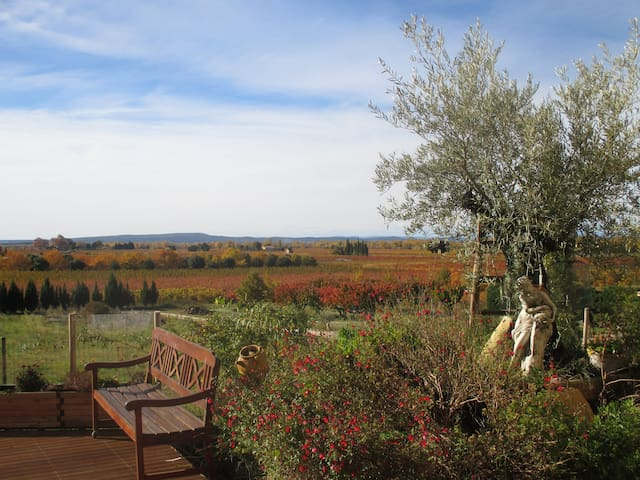 Provencal farmhouse, beautiful view - Saint-Roman-de-Malegarde