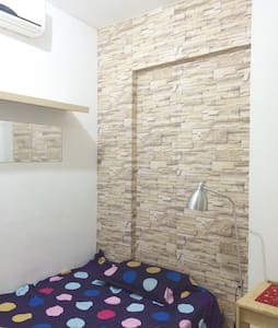 Double BR with AC/Storage/Washroom - Hong Kong - Apartment