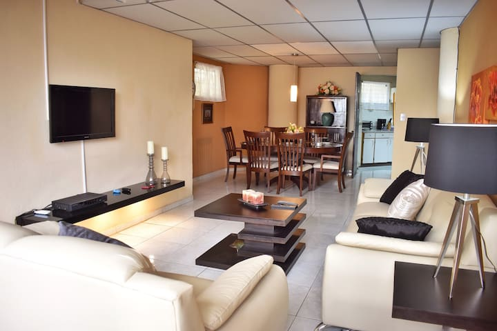 ★Zona Rosa ★Pool★BBQ★A/C★Wifi★TV★Fully Equipped