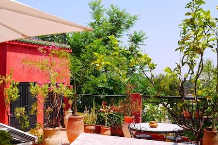 Studio avec sdb et kitchenette sur la terrasse - Meknes - Bed & Breakfast
