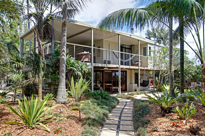 A PERFECT STAY - Jimmy's Beach House