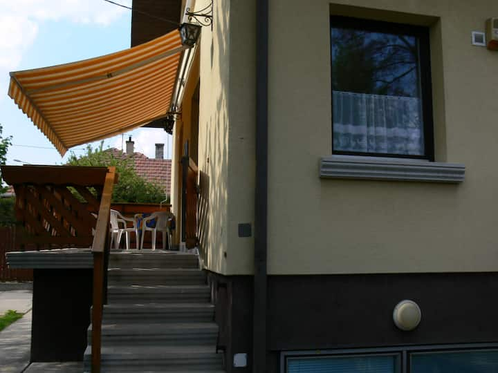 Cozy 90 sqm 3BR semi-detached house with terrace