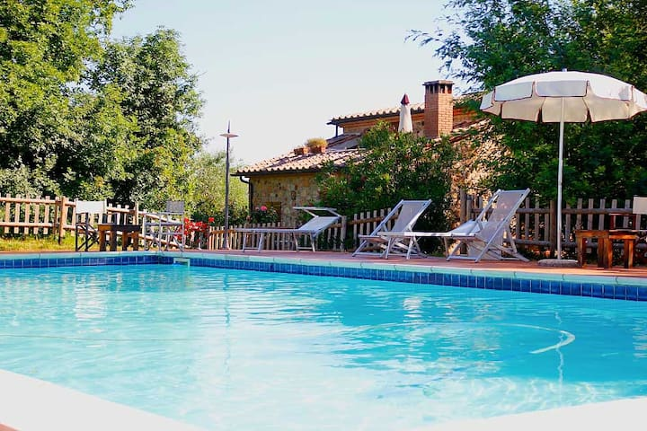 Two-room apartment with swimming pool in Maremma