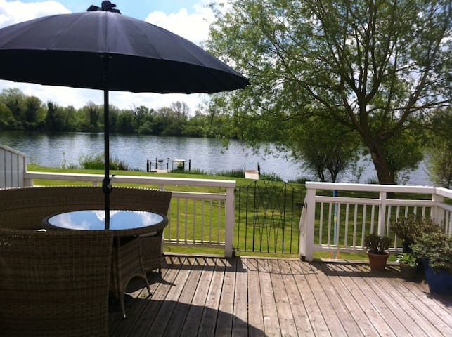 Limes Lodge 27 - South Cerney  - Дом