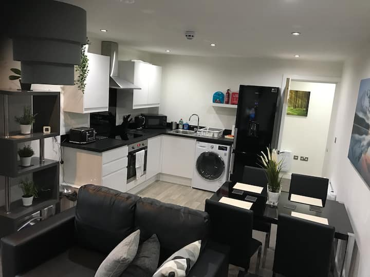 Self Contained 2 Bed Apt Sheffield Centre/Peaks