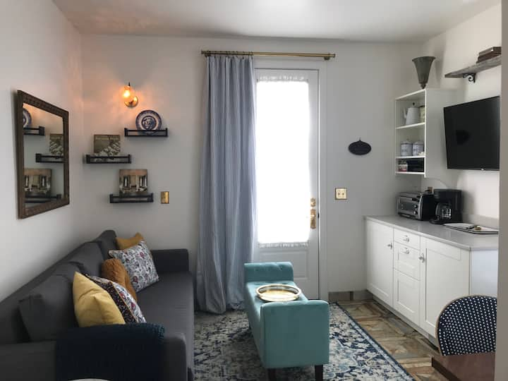 Riviera Flat @ Riverpath Pensione in South Main