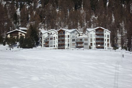 Close to slopes, biking and hiking trails! - Sankt Moritz - Leilighet