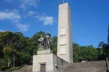 Monumento ao Imigrante (a poucos metros do apartamento)