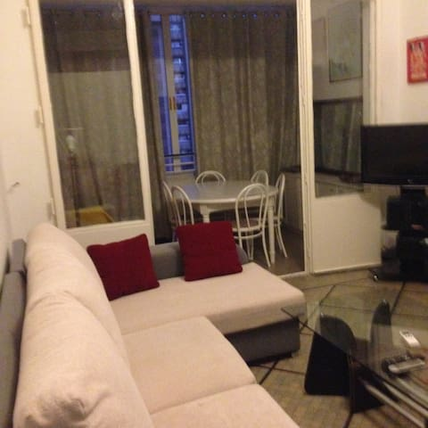 Appartement 1 chambre + salon 11e F