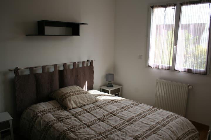 Room near Versailles / St Quentin en Yvelines