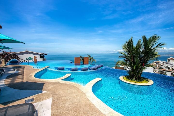 Spectacular Designer RESIDENCES 220 Condo & Pools