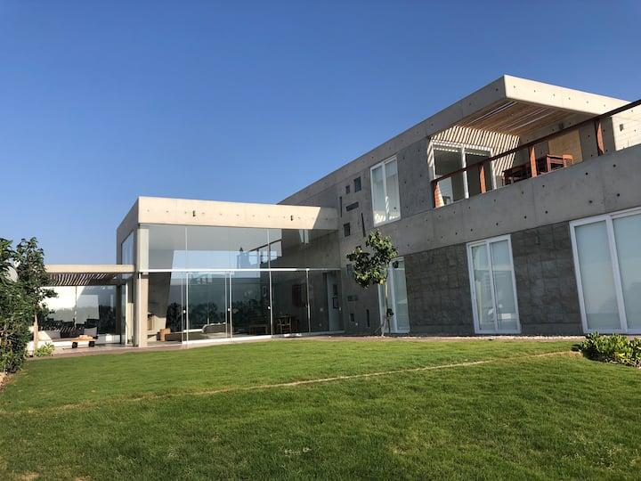 AlquilerVenta Casa ámplio jardin Bahia de Paracas