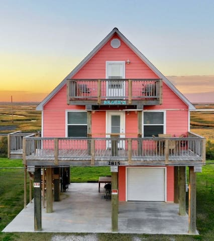 3BR with Ocean &  Bay Views,Steps Away from Beach!
