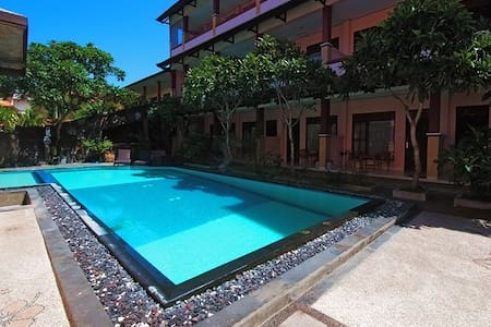 PESONA BEACH HOTEL KUTA - Kuta - Bed & Breakfast
