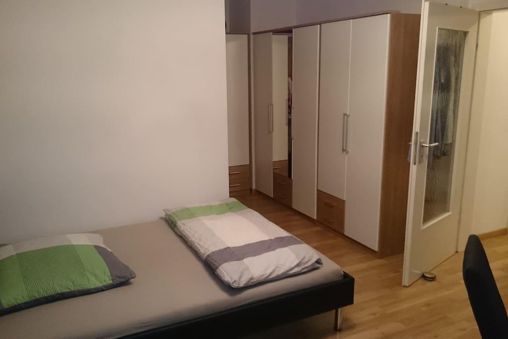 sch nes appartment in m nchen appartamenti in affitto a. Black Bedroom Furniture Sets. Home Design Ideas