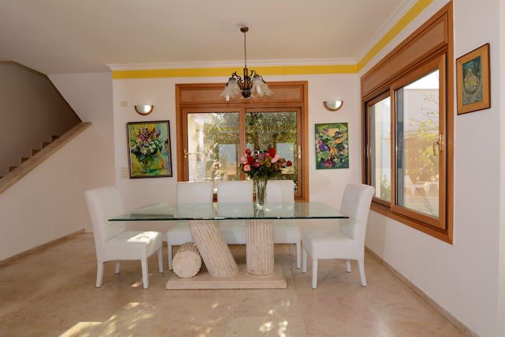 Ceasar's Villa - Caesarea - Apartament