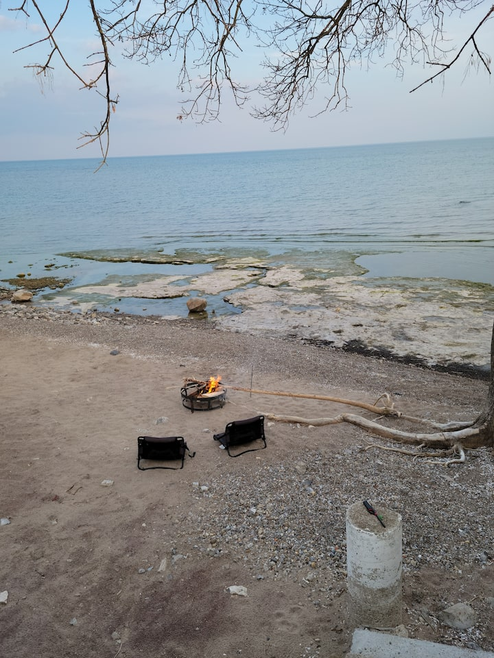 Water Front Cottage with Bon Fire on the Beach