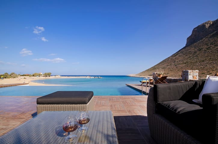 Magnificent villa 3BD, private pool, on the beach - Stavros - Villa