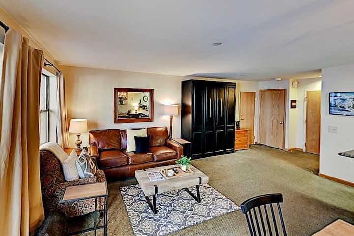 River Mountain Lodge | Walk to Lifts & Main Street