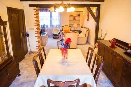 Grande maison style authentique près du Luxembourg
