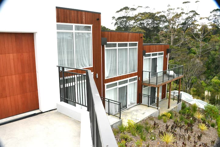 No. 27 Banyan Road - Carrington Resort
