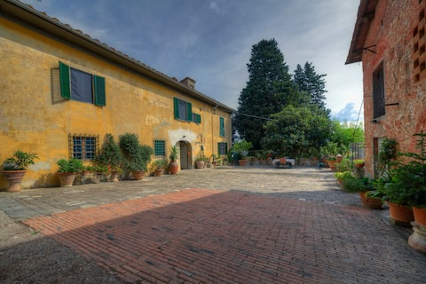 """Country House """"Il Sabatino"""" on Florence's hills."""
