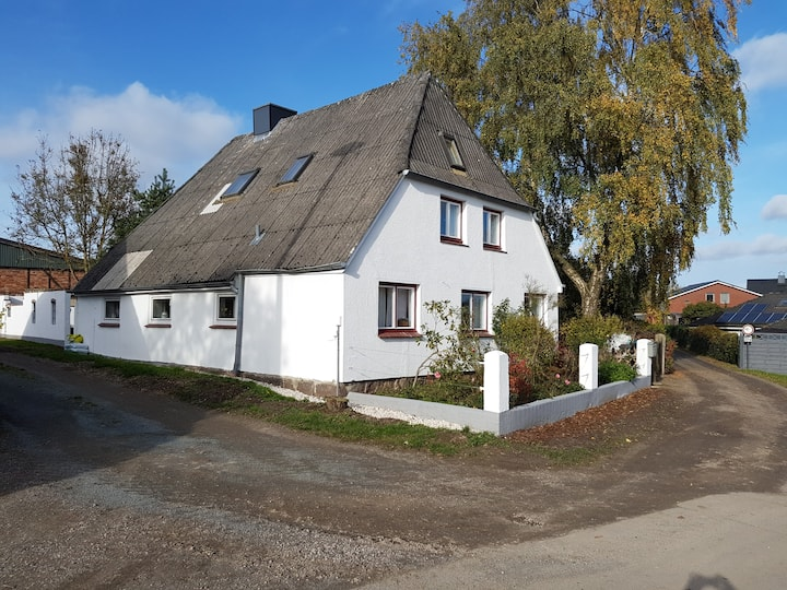 Cosy flat in old farmhouse close to Luebeck