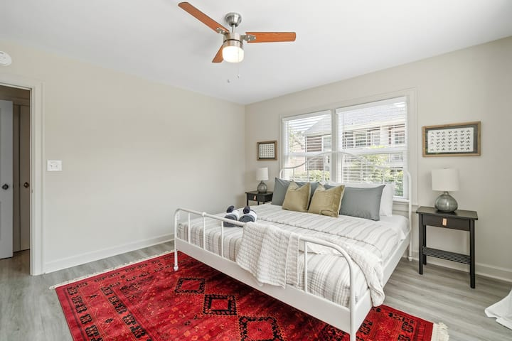 NEW—Charming 1BR/1BA in the Heart of Elizabeth!