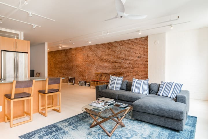 TRIBECA LOFT DAYLIGHT FILM/PHOTO STUDIO ONLY
