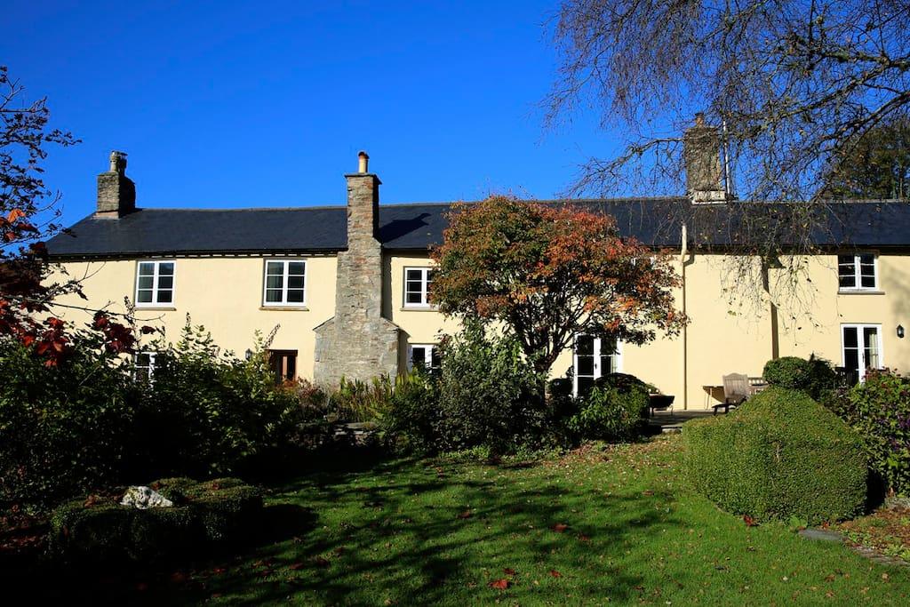 The pretty cottage garden