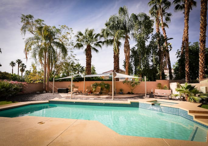 Newly Remodeled Home Private Pool - Palm Desert - House