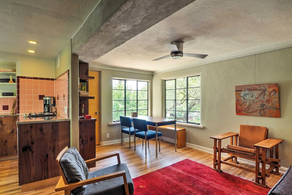 Dine with a view at the 4-person dining table in this 1 bedroom vacation rental home.