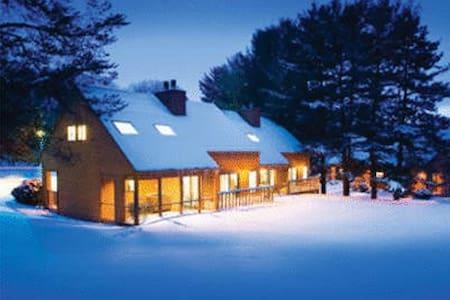 Christmas Mountain Village 1 Bedroom suite - Wisconsin Dells