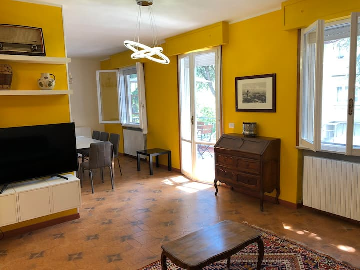Elegant house close to park and historical centre